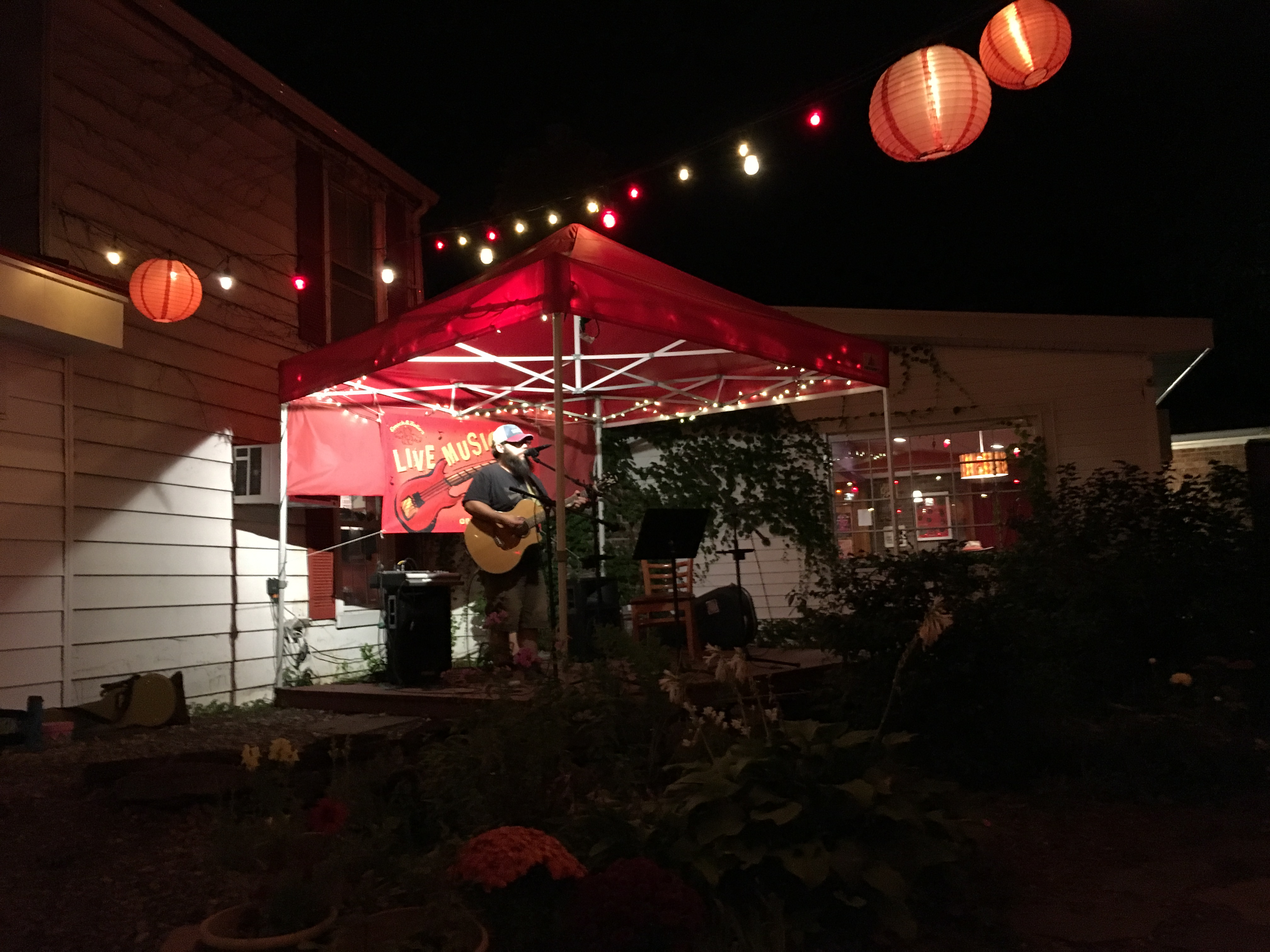 Ross Malcolm Boyd onstage at Emack & Bolio's, Albany, NY   In Search of a Scoop