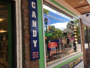 Laura's Fine Candies, Estes Park, CO | In Search of a Scoop