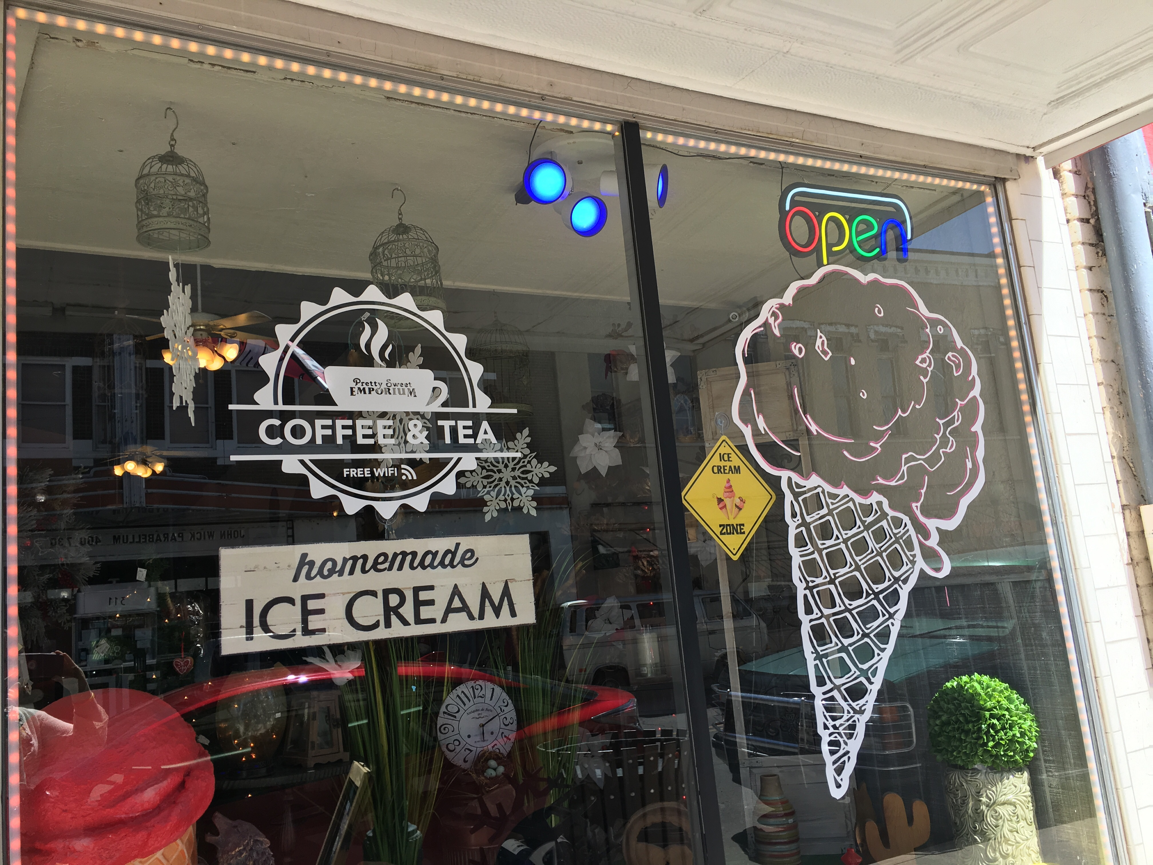 Pretty Sweet Emporium, Silver City, NM | In Search of a Scoop